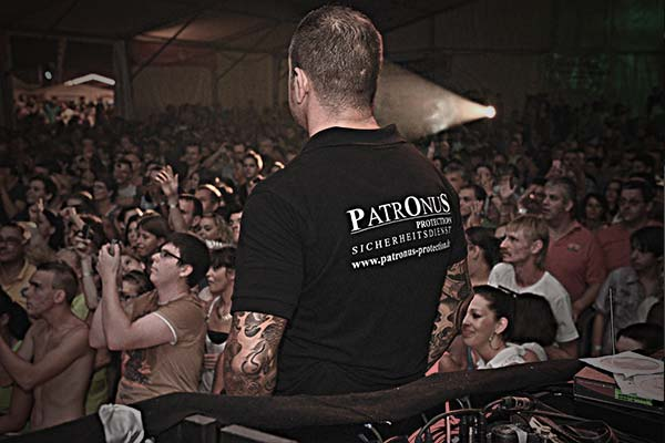 Foto eines Paronus Mitarbeiters bei einer Veranstaltung in Freiburg